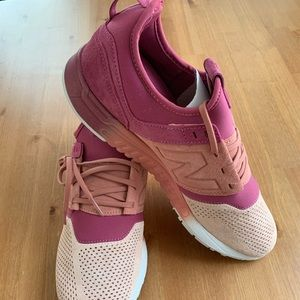 •New Balance•Suede 247 PINK Sneakers